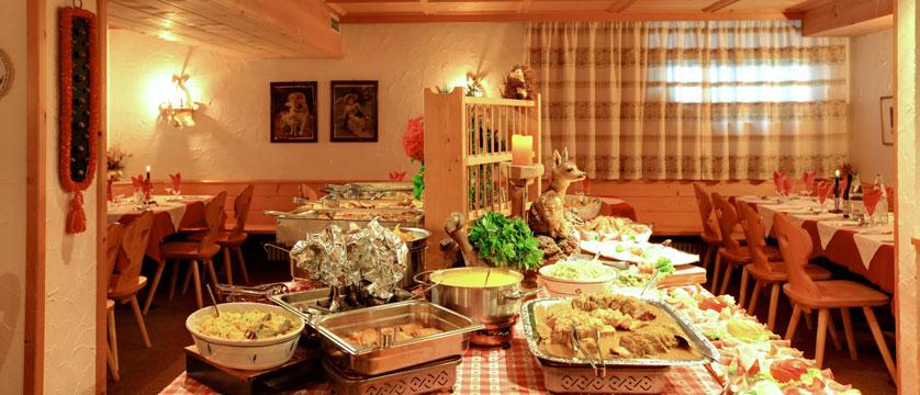 Italy_San-Cassiano_Hotel-la-stua_Restaurant-Buffet.jpg